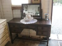 VINTAGE ORNATE ELM ERCOL DRESSING TABLE WITH DETACHABLE MIRROR. VIEWING/DELIVERY AVAILABLE