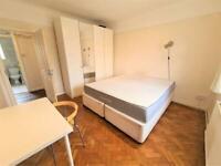1 bedroom in Grosvenor Court, Hale Lane, Edgware, NW7