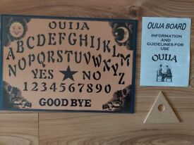 Ouija Board Game, Planchette with Instruction. Spirit Hunt Fortune Telling NEW