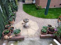 Octagonal garden feature