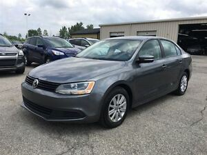 2013 Volkswagen Jetta Comfortline/ SUNROOF / ALLOYS / HEATED SEA