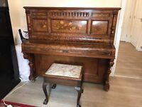 Beautiful antique piano with faulty plate, for decoration