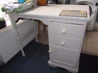 small, white desk, W-93 , h-75.5 , d-52.5