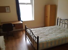 3 Bedroom property to rent. Close to Uni and Town Centre
