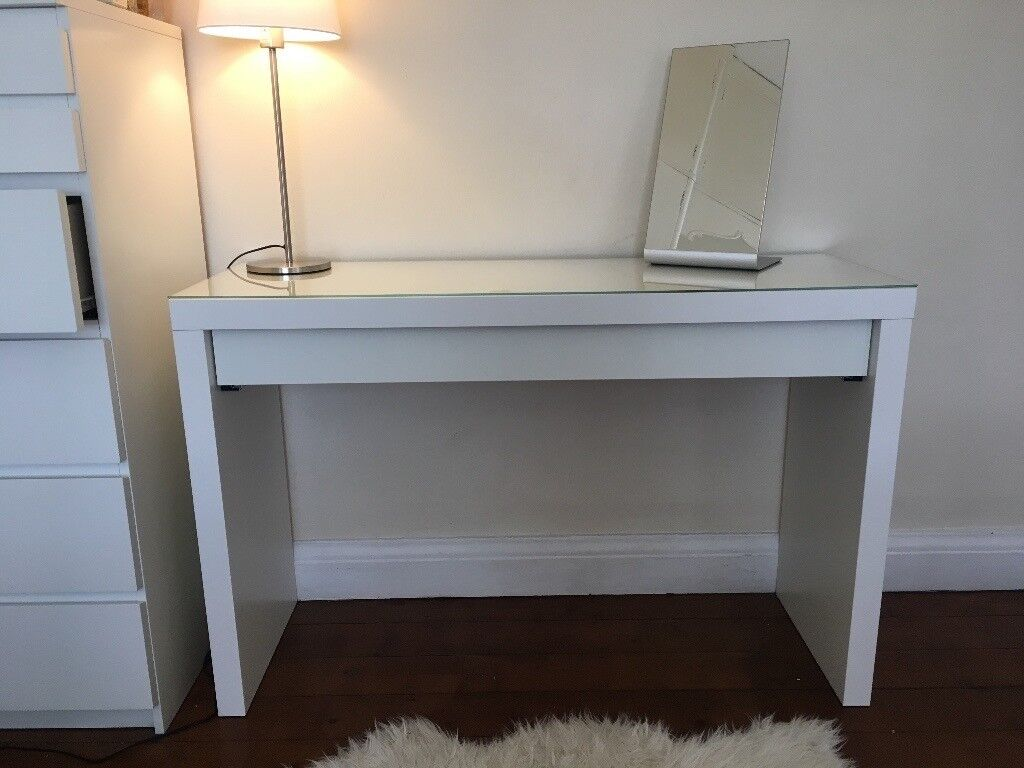 white dressing table ikea hendon central in hendon. Black Bedroom Furniture Sets. Home Design Ideas