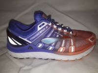 Brooks Transcend 2 Womens Running Shoes in very good condition purple orange size 5 ...good price!!