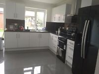 7 Bedroom House For Letting, individual room to rent price from £500--£800 for each room pcm
