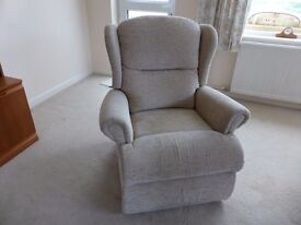 Reclining armchair in excellent condition.