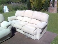 Double relcliner settee