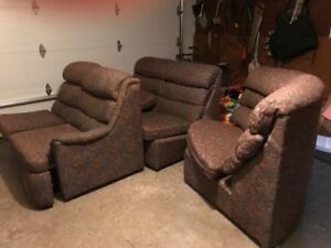 FREE RECLINER, FREE SECTIONAL