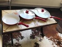 Set of 3 pans with lid £12.00