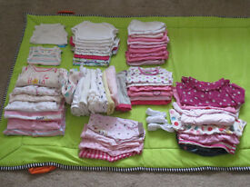 girl's clothes size 0-3 month (>50 pieces)