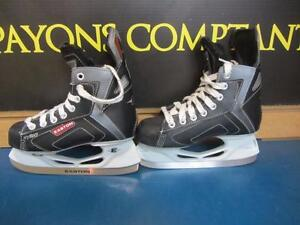 Patin de Hockey de marque EASTON