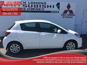 2015 Toyota Yaris LE, LOADED WITH OPTIONS,  ONLY 13,000KM. AUTO,