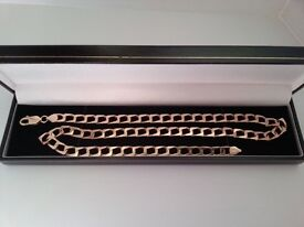 MENS SOLID 9CT YELLOW GOLD SQUARE CURB CHAIN , 375 STAMPED, 21 INCHES.
