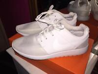 Ladies Trainers for sale size 7 great conditionLadies Trainers for sale size 7 great condition