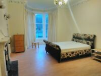 Short term double room for flatshare