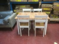 Collection Chicago Extendable Solid Wood Table & 4 Chairs