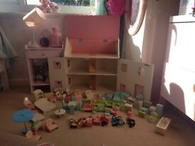 Beautiful dolls house and furniture