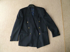 Mens Dark Navy Blazer. Size M/L 100% pure wool
