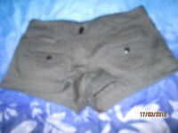 BLACK MINI SHORTS SIZE 38 BY DIVIDED WHICH IS H&M GREAT FOR THE SUMMER OR CLUBBING