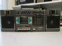 SONY STEREO CASSETTE RECORDER CFS-5000L RETRO SONY BOOMBOX PORTABLE RADIO AND CASSETTE