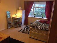 STUNNING SPACIOUS ROOM NEAR PICCADILLY LINE AND MAINLINE. INCLUDES BILLS & WI-FI