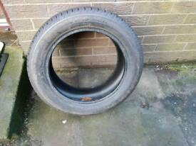 One tyre 185/55/15