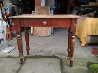 SMALL VINTAGE RUSTIC FARMHOUSE PINE TABLE
