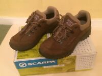 Womens Scarpa Cyrus GTX walking boots. Size 5 . As new.