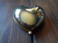 estee lauder heart shape compact with bronzer