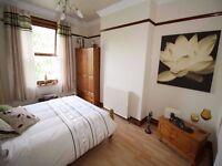 4 bedroom 2 bathrooms and 2 gardens- Kennington SE17