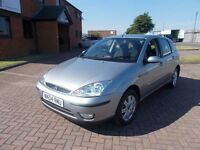 FORD FOCUS 1.6 GHIA 5 DOOR (04) in SILVER, FULL SERVICE HISTORY