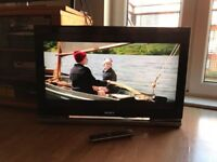 """Sony Bravia 32"""" Widescreen LCD Full HD(1080p) TV with USB, Remote & Built-in Freeview"""