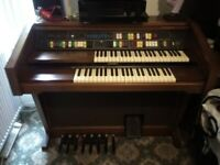 * ELECTRONIC ORGAN * WITH INSTRUCTION BOOKLET
