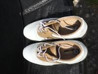 Ladies size 4 golf shoes