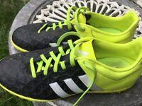 Adidas football boots size 3.5UK