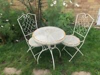 Stylish Patio Table and Chairs