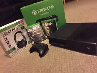 Xbox one with 2 games and headset £120 Ono