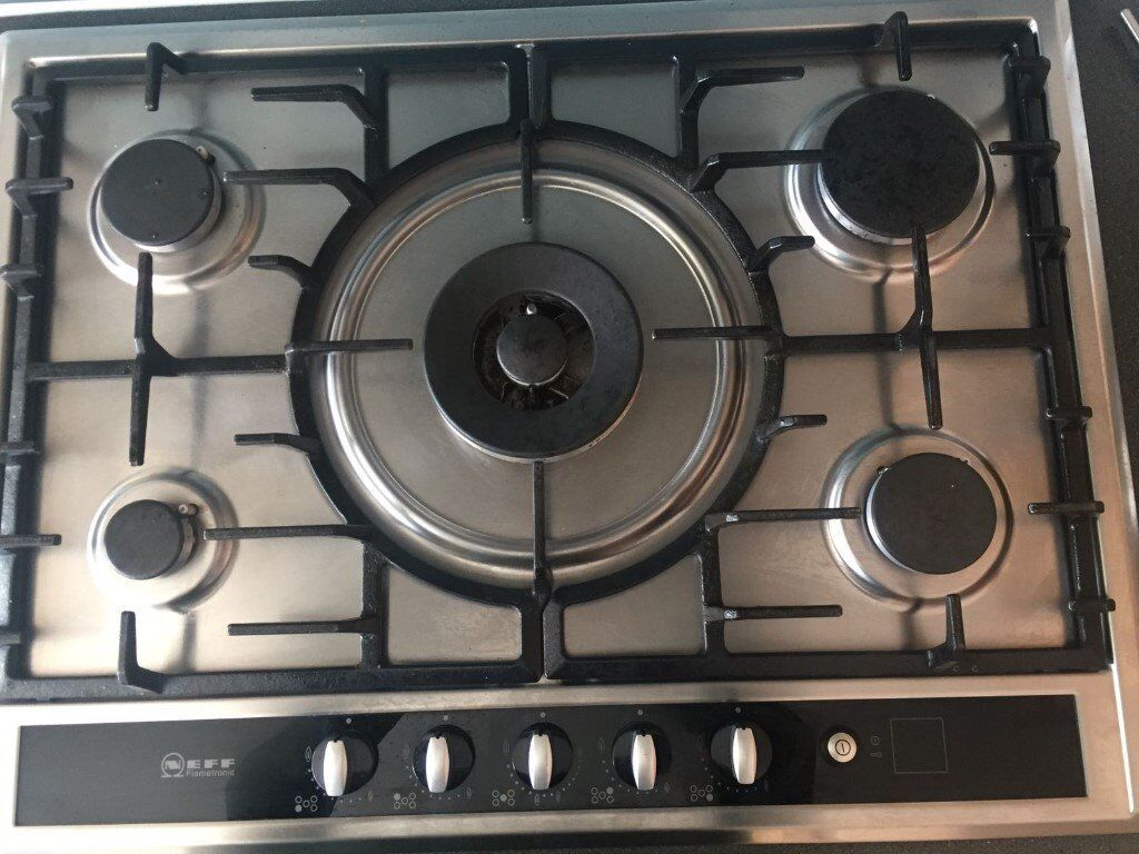 NEFF 5 ring Gas Cooker Hobin St Albans, HertfordshireGumtree - Under 2 years old and looks as good as new. Width 70 cm 5 burners Cast iron pan supports Automatic ignition