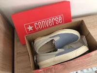 Women's converse size 6.5