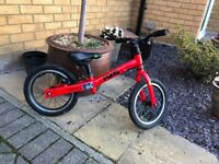 Childs frog balance bike in good condition