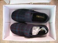 Clerks Mens slippers Brand new Never been worn