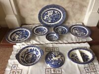 Blue Willow 4 place setting