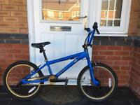 BARGAIN. SCHWINN BMX BIKE IN GREAT CONDITION