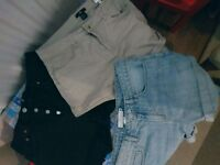 3 Short pants it good condition perfect for summer