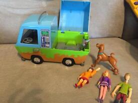 Scooby Doo Ghost Patrol Mystery Machine with Figures