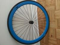 Roue avant bleu single speed fixe fixie fixed gear noyeau QUANDO