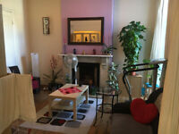 013M - BOUNDS GREEN - MODERN SPACIOUS TWO/THREE BEDROOM FLAT, OWN GARDEN, FURNISHED - £370 WEEK