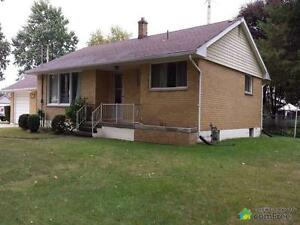 $169,900 - Raised Bungalow for sale in Rodney